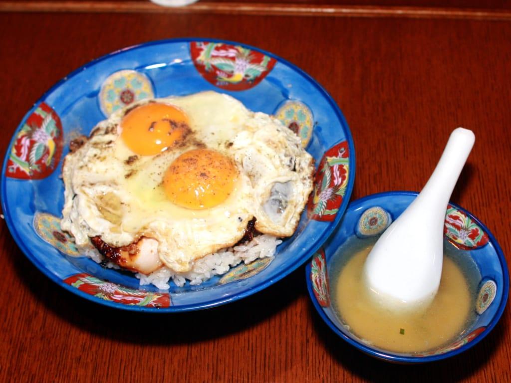 「白楽天」の今治焼豚玉子飯