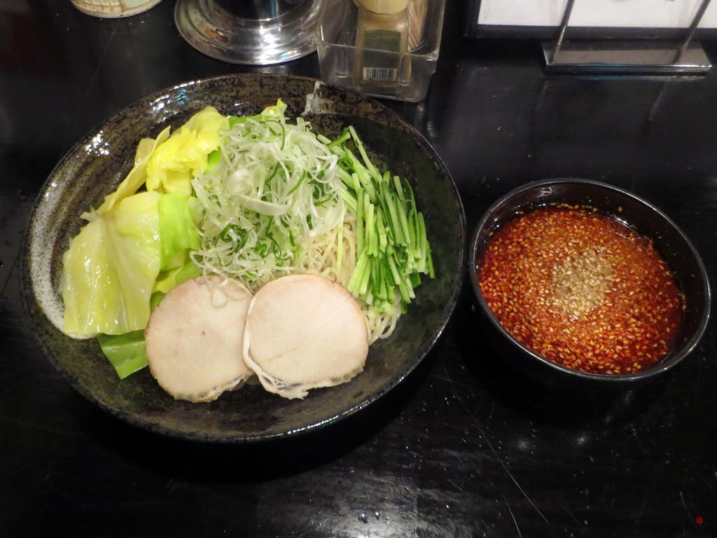 「ばくだん屋」の広島つけ麺