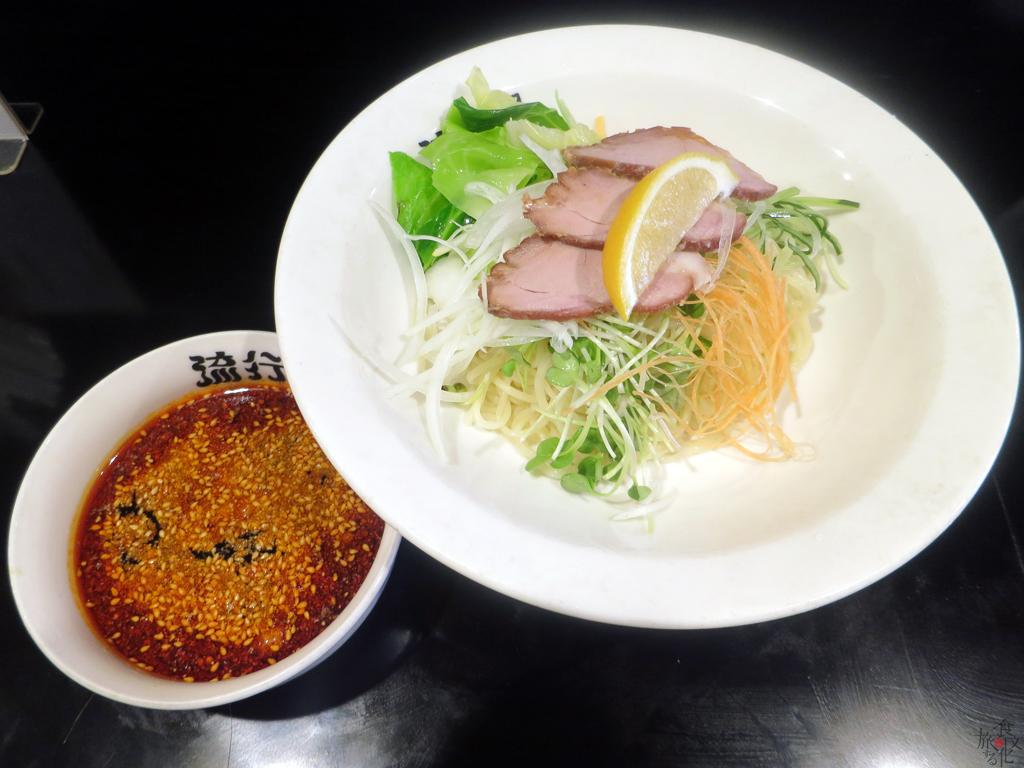 真っ赤なつけ汁が特徴の広島つけ麺