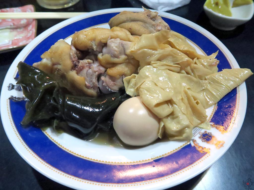 沖縄のおでんには肉が入る