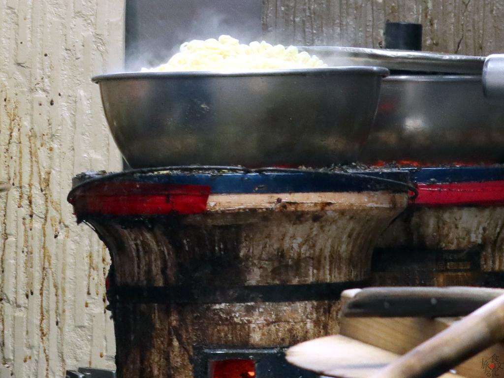 どうしてこんなに小さい鍋で?