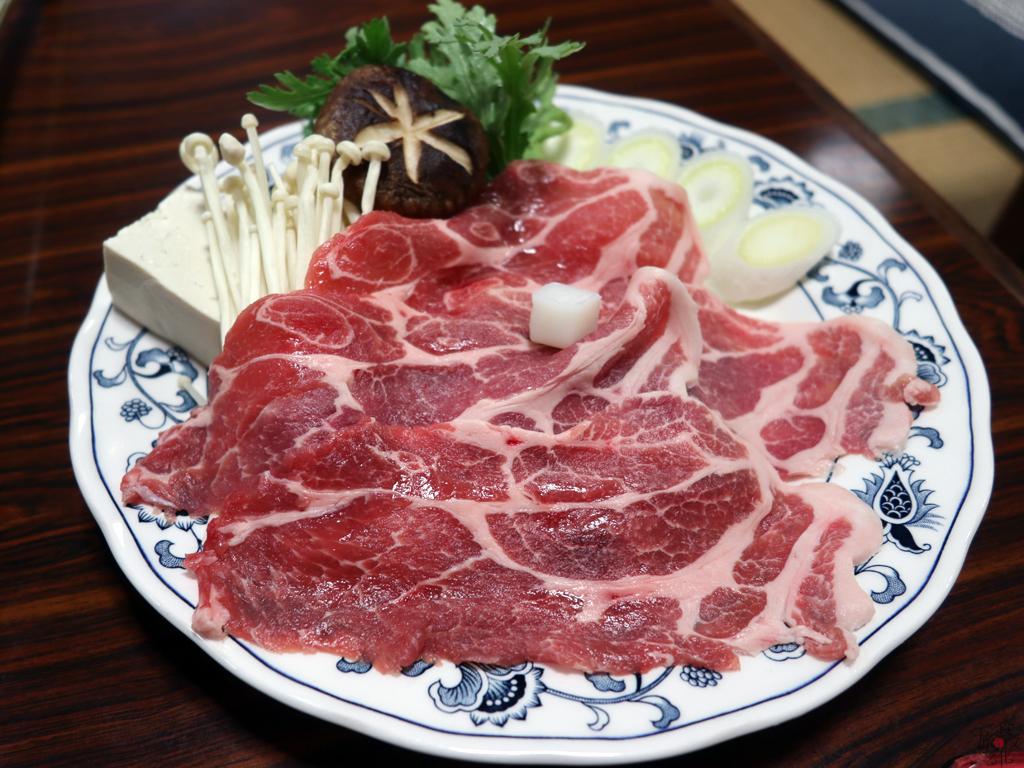 豚肉で食べる群馬のすき焼き