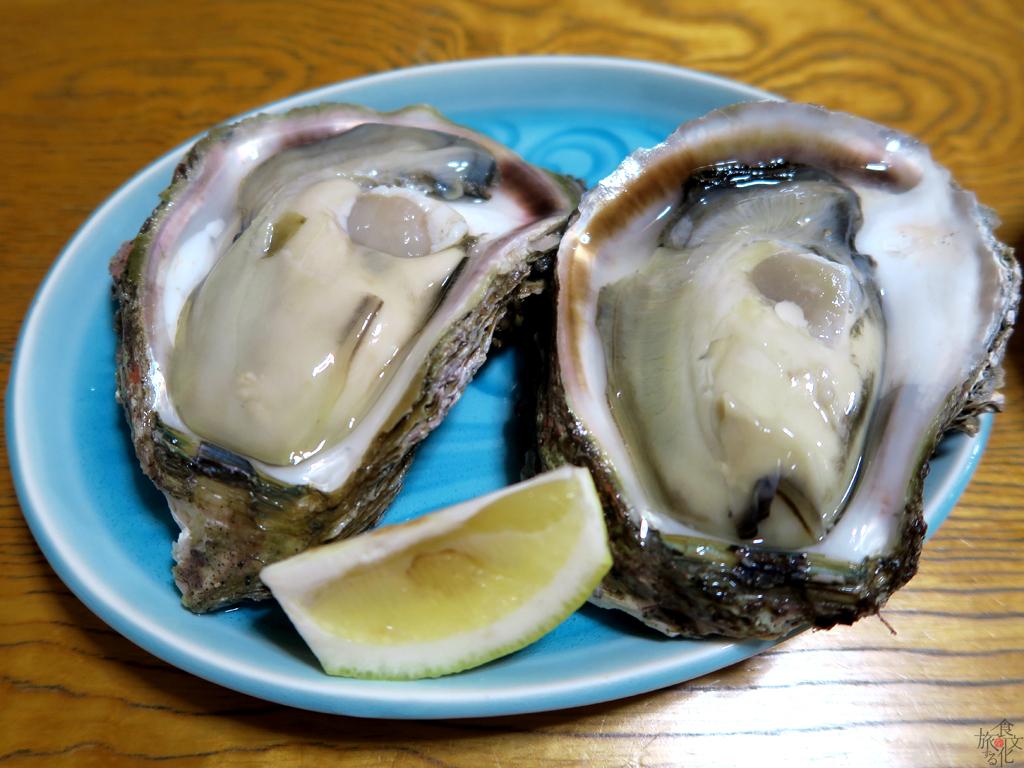 秋田県由利本荘市で食べた岩牡蠣