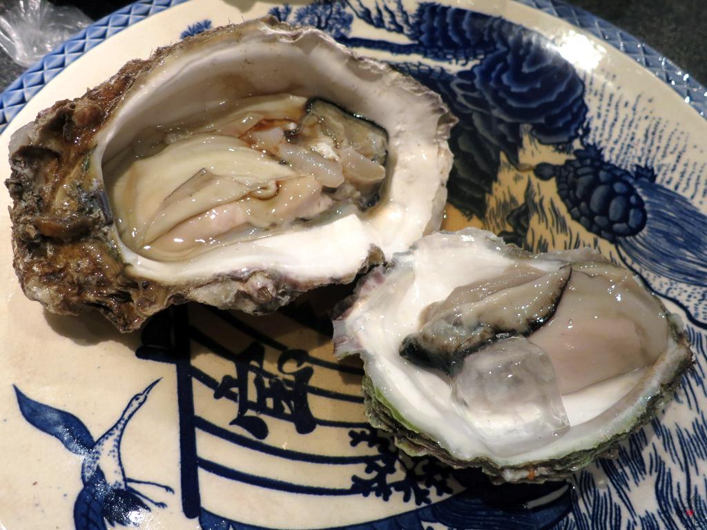 鳥取市で食べた岩牡蠣