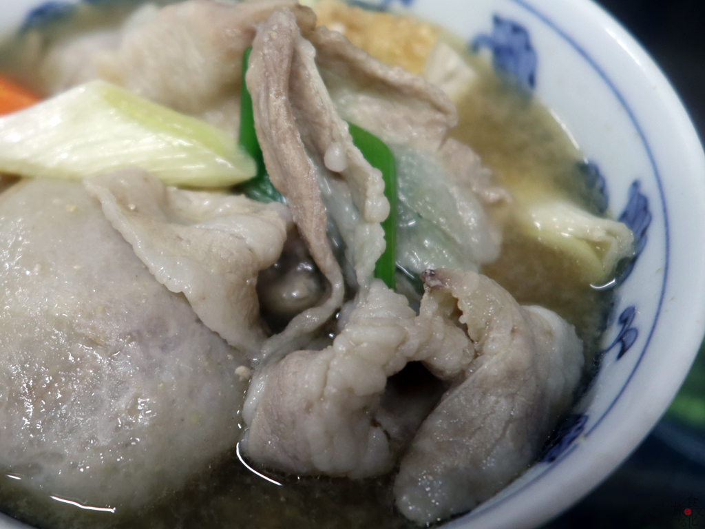庄内風の芋煮の肉は豚